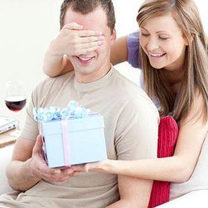 70+ Idee regalo per uomo. Tante e originali per lui